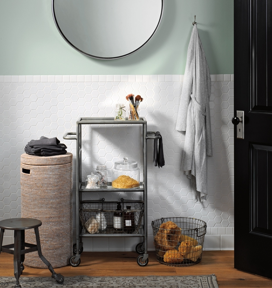 Slim bathroom storage